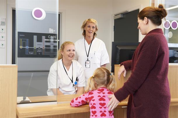 Resepsjon, medarbeidere, pasient og pårørende