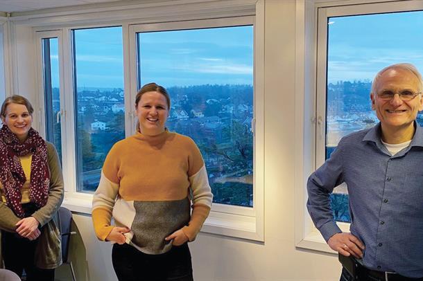 Hege Simensen, Maria Danielsen og Geir Øgrim i nevroteamet.