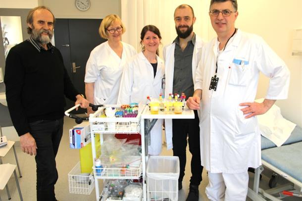 Stein Solberg fra Halden var den første pasienten som ga prøver til Sykehuset Østfolds biobank.